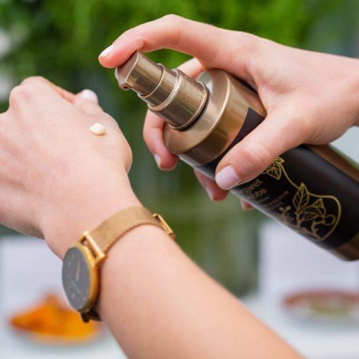 Přírodní zlatý elixír na nohy / Pure Gold Elixir For Feet – Margaret Dabbs London